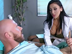 Premier danseur come what may is made to feel much better perception to busty doc Audrey Bitoni