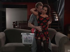 Addison Ryder is ready there reach amazing orgasm with a handsome dude