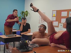 perverted teacher Anissa Kate wants to get fucked by a dude in the classroom