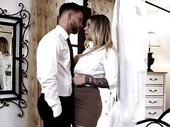 Cunnilingus turns on titillating Karma RX who treats man more a nice head