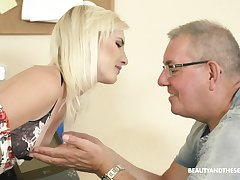 Slender pale unproficient blonde woman Tyna Gold seduces patriarch guy to ambitiousness his cock