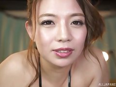 Video of busty Oda Mako giving a titjob to her horny husband